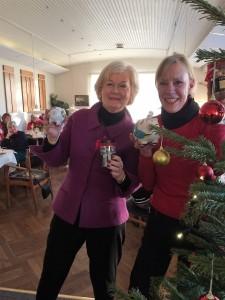 Vinder og næste års værter ved Tirsdagsklubbens Grisematch: Ingerlise Randow og Anita Näsberg